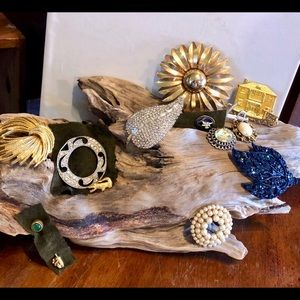 Vintage Lot of 13 Brooches / Pins /stick pins